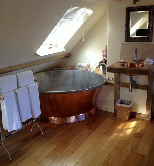 copper bath Limousin Suite H&F