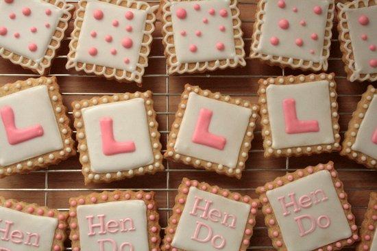 hen do L-plate cookies
