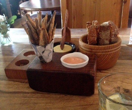 whitebait with sodabread and sourdough H&F