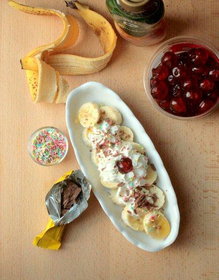 banana split ingredients