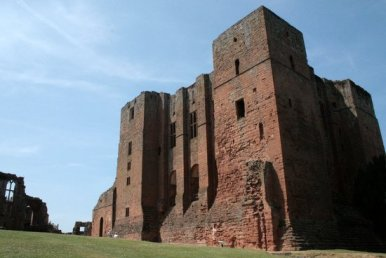 Kenilworth Castle on a hot summer day
