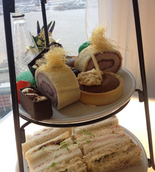 Panoramic 34 afternoon tea cakes